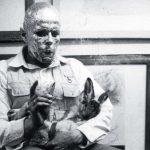 joseph beuys interpretacja jak wytlumaczyc sztuke martwemu zajacowi